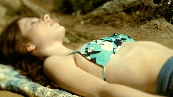 michelle-trachtenberg-nude-in-beautiful-ohio